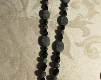 Grey and Black Glass Beaded Necklace and Earring Set (N219)