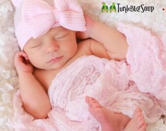 Newborn hat. Pink and White Hospital Newborn Beanie, Newborn's First Bow! Newborn Hat, Baby Girl Hospital Hat, Newborn Girl Hat