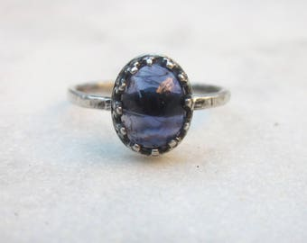 Iolite stacking ring, dainty hammered ring, delicate oval gemstone ring, sterling silver solitaire ring, blue stone stacking ring US size 5