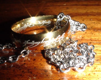 """Sauron's  Ring of Power From Lord Of The Rings Sizes 9-10 &11 on a  18"""" stainless steel Necklace"""