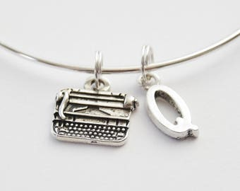 Typewriter Bangle, Typewriter Bracelet, Writer Bracelet, Author Bangle, Writer Bangle, Writer Charm Bracelet, Teacher Gift, Librarian Gift
