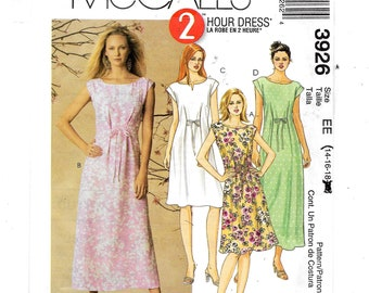 McCall's  Misses'/Miss Petite Dresses  Pattern  3926