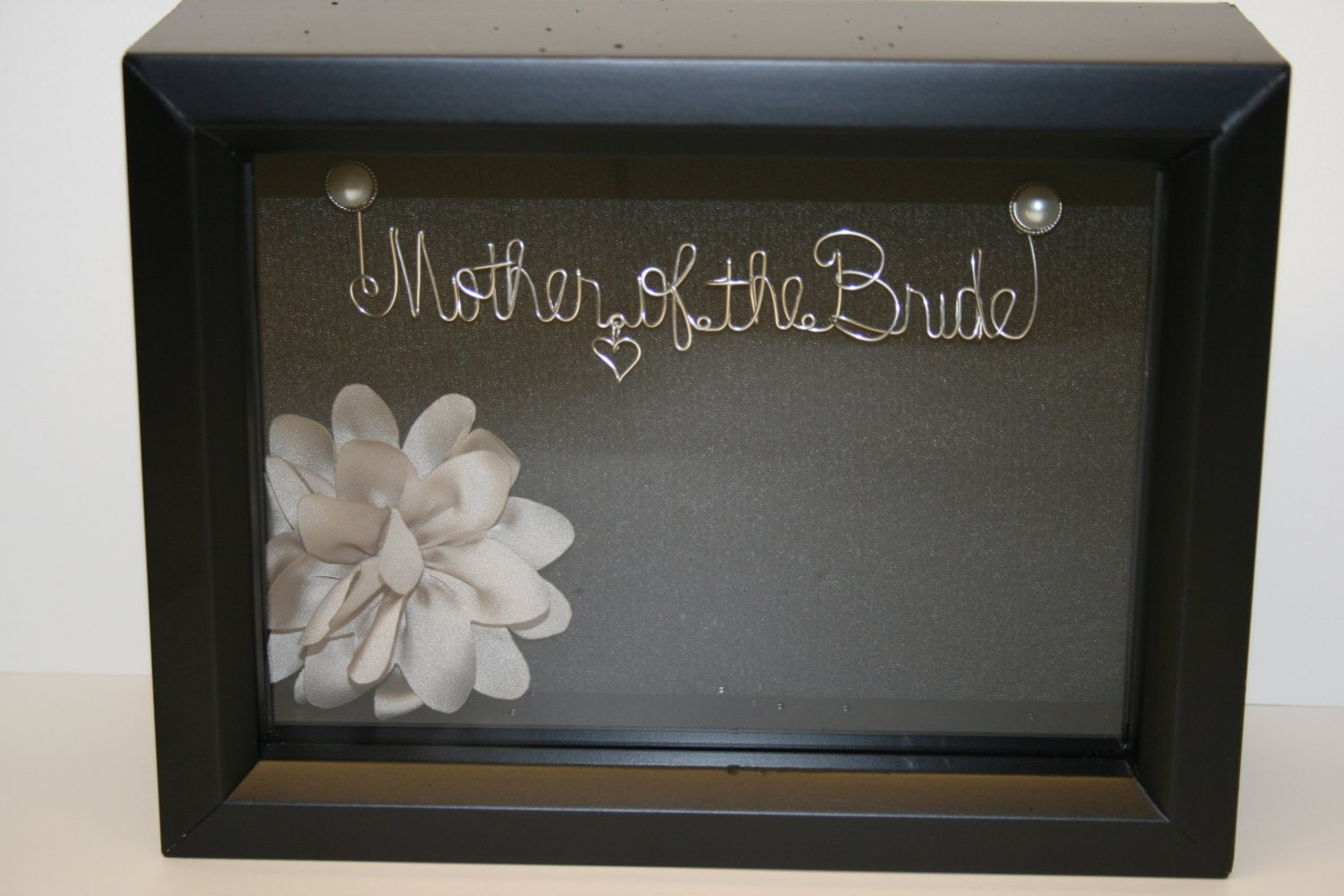 Mother of the bride. Wedding. Bridal shower. gift idea. wire name ...