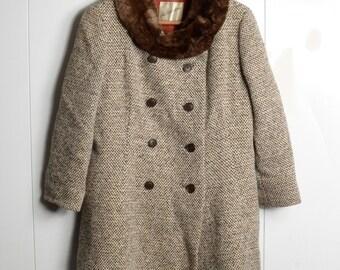 tweed wool coat - 60s vintage Saks Fifth Avenue peacoat faux vegan fur collar tan brown double breasted three quarter sleeve winter jacket