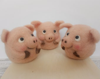 Pig decor, felted pig, pig figurine, year of the pig,pig lover gift, piglet, piglet figurine, pig gifts, farmers gifts, cute pig, melkada