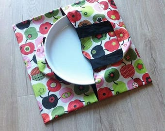 Reversible apples to eat pie bag sewing kit Red