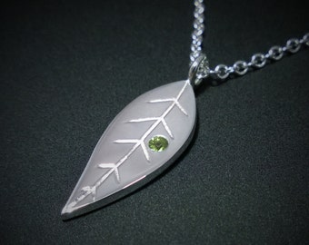 Peridot Leaf Necklace Pendant in Sterling Silver