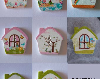 Wooden house with birds 2 hole button