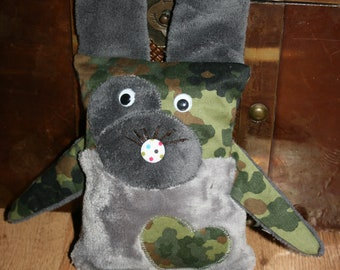 Bunny Flecki, military bunny, Grey