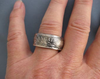Coinring muntring made of a 10 franc 1968 France .