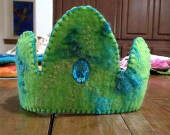 Felted Birthday Crown green