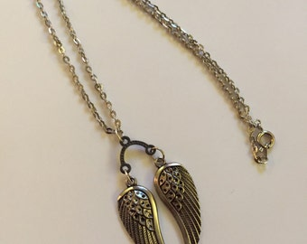 Angel wings metal necklace