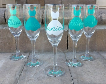 4 Personalized Bridesmaid Glasses - Bridesmaid Champagne Glasses - Bridesmaid Flutes
