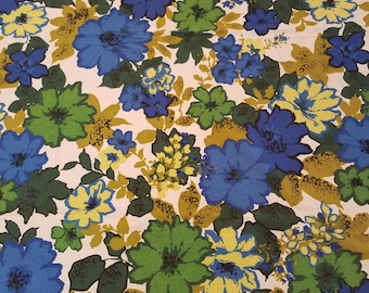 Flower power! Mid century mod blue/green flower tablecloth 49 x 49 free shipping U.S only