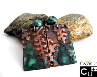 Handmade copper earrings with green patina, embossed ferns and agate beads/Handmade boho earrings
