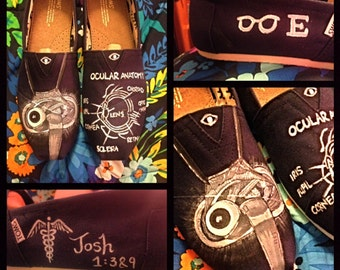 Custom painted Optometry/Ophthamology/Eye Doctor Toms . Designed and personalized just for you!