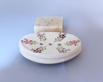 2 pieces oval white ceramic soap dish with drainage saucer, Soap holder, Self Draining soap dish, Retro vintage style Soap tray, Pink Purple