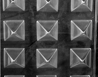 LOPAO-129 - 3-D Small Pyramid Chocolate Mold