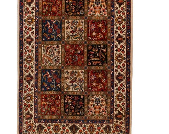 The Bakhtiari is a luxurious carpet that brings elegance, richness and style to your surroundings.