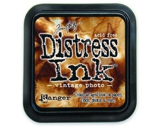 Ranger Tim Holtz  Distress Ink Pad 3 x 3 Full Pad Size In Vintage Photo