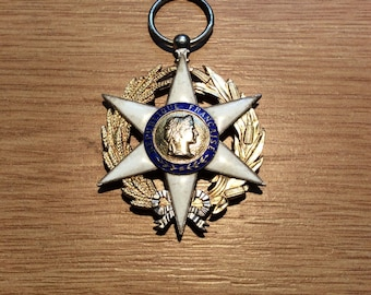 French Order of Agricultural Merit, Knight Grade, gilt, gold and enamels.