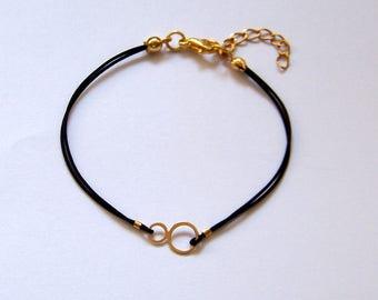 Tiny in 18k gold minimalist women's bracelet adjustable