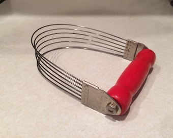 Androck Red Wood Handle Pastry Blender GREAT CONDITION!