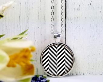 Black & White Zig Zag Stripes-Medium Round- Glass Bubble Pendant Necklace