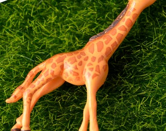 2 PC Exotic Giraffe Wild Safari Animal Miniature Garden Plants Terrarium Doll House Ornament Fairy Decoration AZ7987