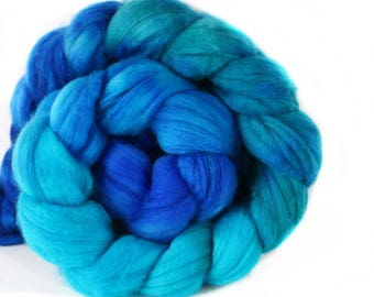 WILD BLUE 4 oz Merino softest 19.5 micron Roving Top for spinning