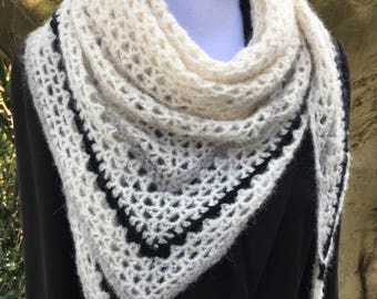 Classy and super soft triangle shawl in off-white (ecru), black and grey