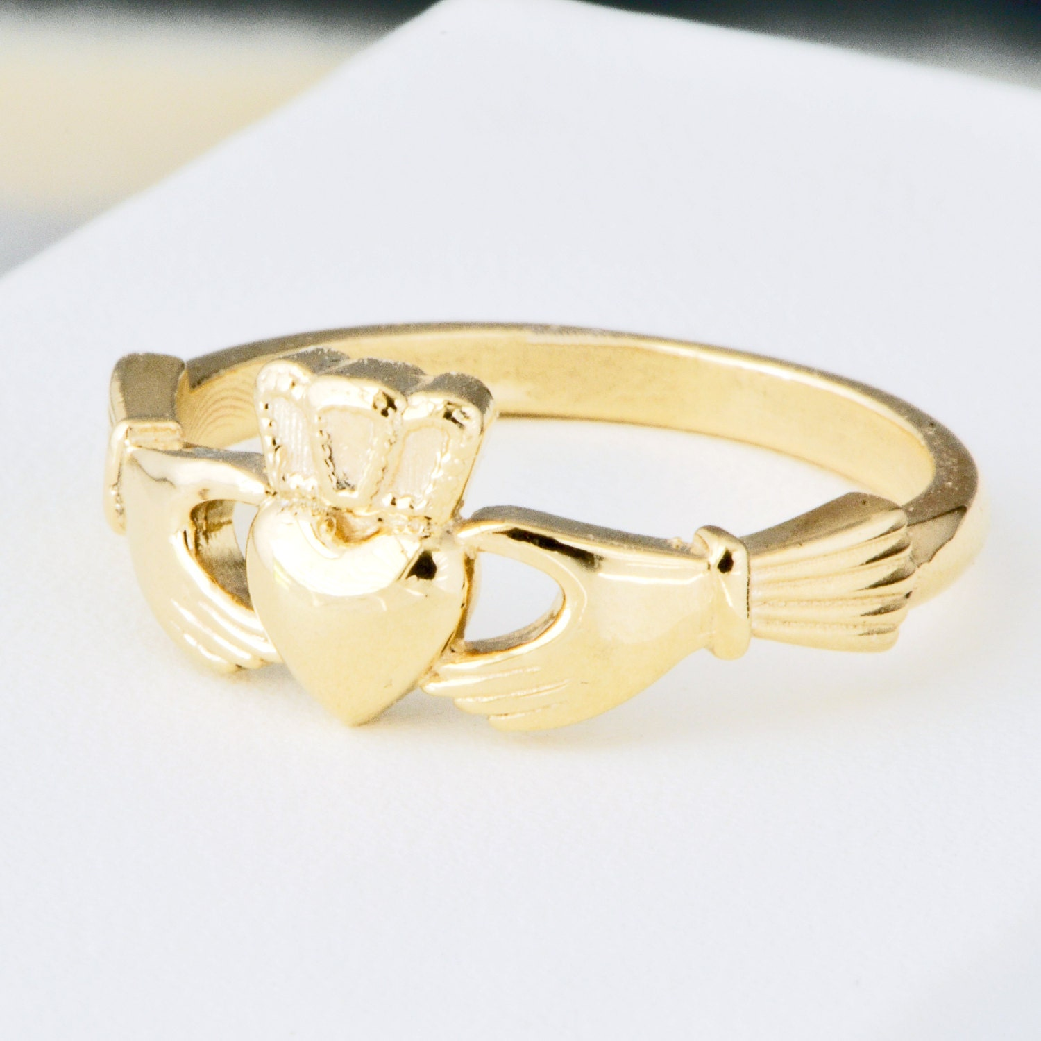 10K Yellow Gold Claddagh Ring Irish Wedding. Claddagh
