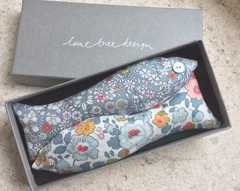 """Box of 2 Lavender Fish Room Scenters, Handmade Liberty Tana Lawn Lavender Bags in Gift Box """"Lady Jane Grey"""", FREE UK SHIPPING"""