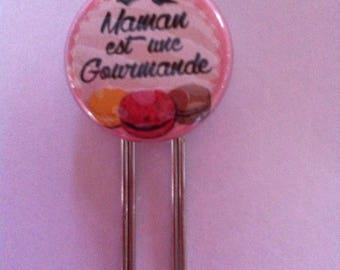 Pretty MOM paperclip bookmark is a gourmet