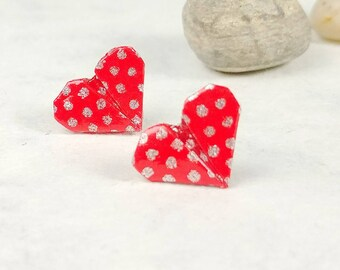 Boucles d'oreilles rouges | Boucles d'oreilles à pois | Bijou en papier | Bijou en coeur | Origami par Ökibo