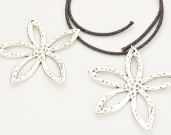 Flower Pendant - Antique Silver - Statement Necklace Finding Qty.1
