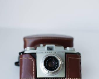 Vintage Camera Kodak Pony IV 35mm Camera with case
