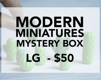 Modern miniatures mystery box - large
