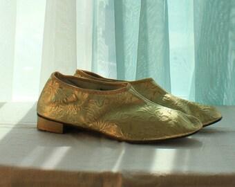 Exquisite 1960's Gold Brocade Slippers