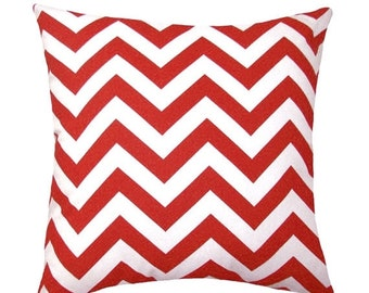 Red Chevron Pillow Cover, Red and White Outdoor Pillow, Chevron Rojo Zippered Pillow Cover, Chevron Pillow, Red Decorative Throw Pillow