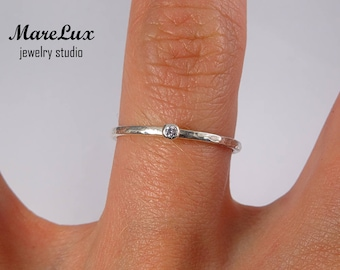 Lavender Diamond Stacking Hammered Silver Ring, Lavender Synthetic Diamond Cubic Zirconia Ring, 1.5 mm Round Cut CZ Dainty Stackable Ring
