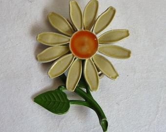 Vintage 1980s Daisy Brooch Enamel Pale Yellow Green Flower Floral Pin