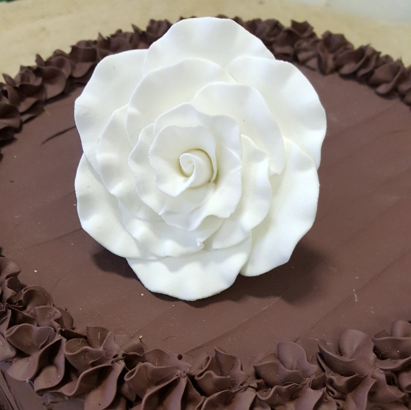 Edible Silver Balls For Cake Decorating