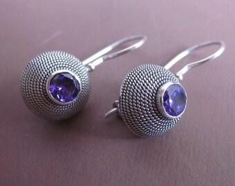 Balinese Sterling Silver circle genuine amethyst gemstone earrings  / silver 925 / Bali  Handmade Jewelry / (#87m)