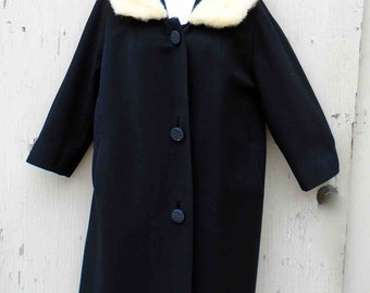 Vintage Fifties Black Lightweight Wool Coat with Cream Fur Collar by L & D New York / Mid Century 3/4 Sleeves Fur Accent / Size Medium