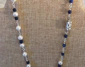 Pearls and sapphires necklace