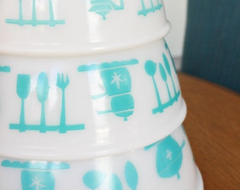 Turquoise Hazel Atlas Kitchen Aid / Kitchen Utensils Pattern Set of Mixing Bowls (3) - Great Condition