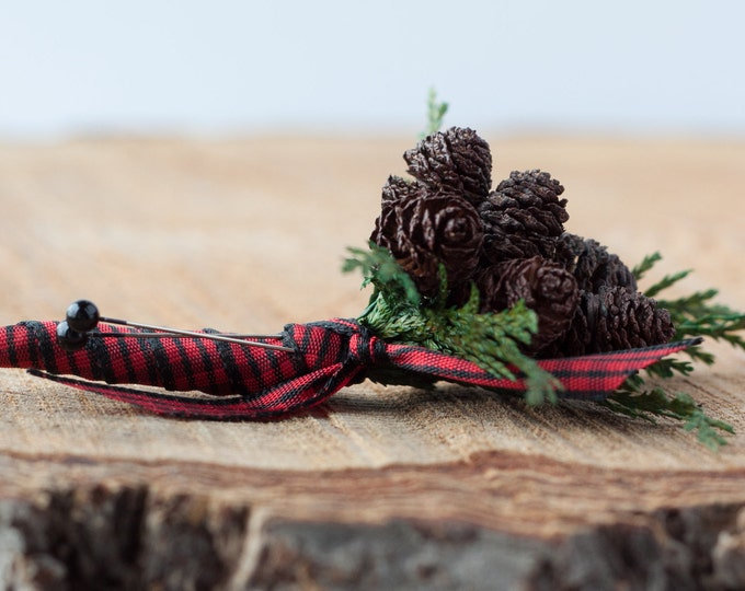 Rustic Brown Pine Cone Pin On Boutonniere - Lumberjack Themed Boutonniere - Boutonniere - Rustic Wedding - Woodland Wedding - Winter Wedding
