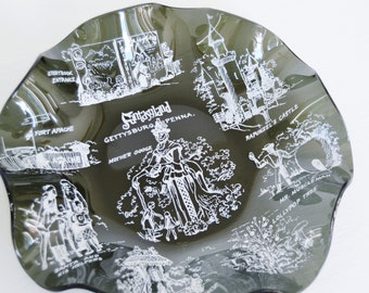 Vintage Fantasyland in Gettysburg PA Glass Trinket Dish with Amusement Illustrations