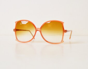 Vintage 70s Oversized Brown Sunglasses / 1970s Butterfly Gradient Brown Shades
